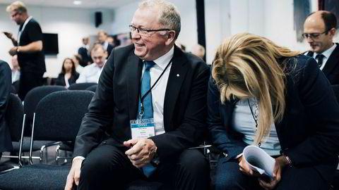 Equinor selger eierandeler for 1,8 milliarder kroner til det polske olje- og gasselskapet PGNiG. Her konsernsjef i Equinor Eldar Sætre og konserndirektør Margareth Øvrum.