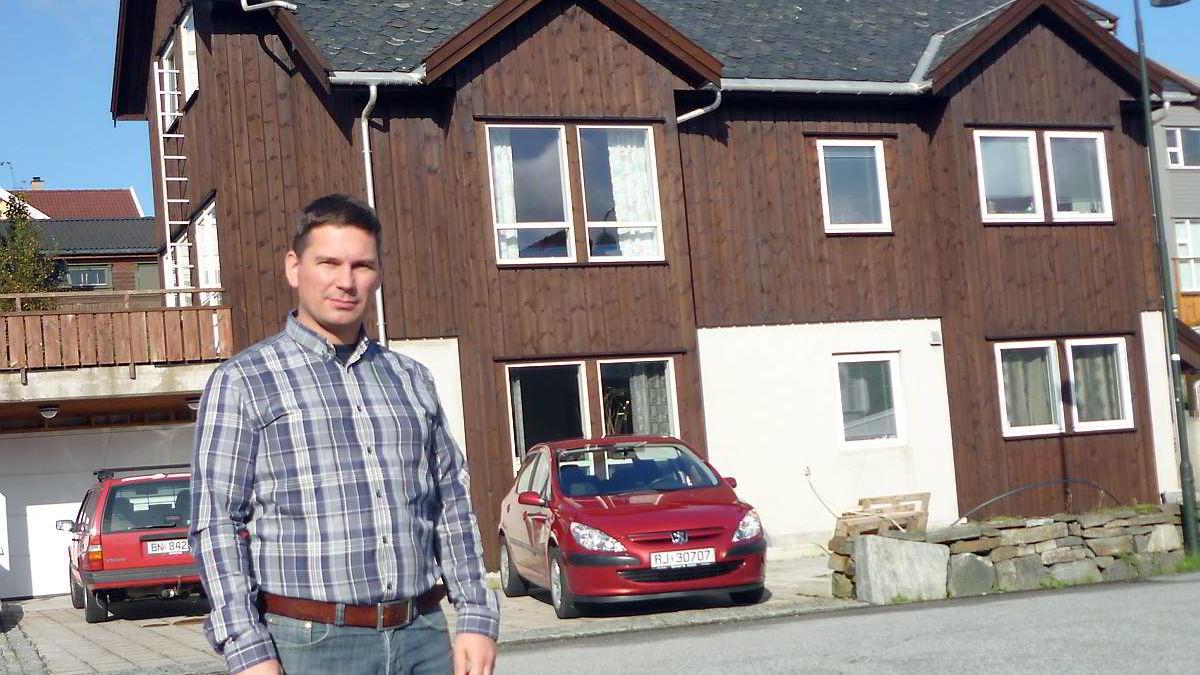 Livar Klingsheim leier ut mesteparten av sin tomannsbolig ved Sola utenfor Stavanger. Selv bor han i husets 65 kvadratmeters leilighet.