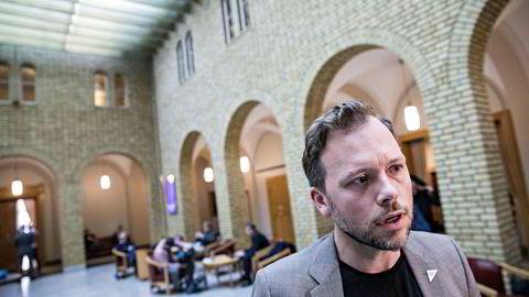 – Politikerne skal ikke ha en krone mer enn det pensjonistene får, sier SV-leder Audun Lysbakken.