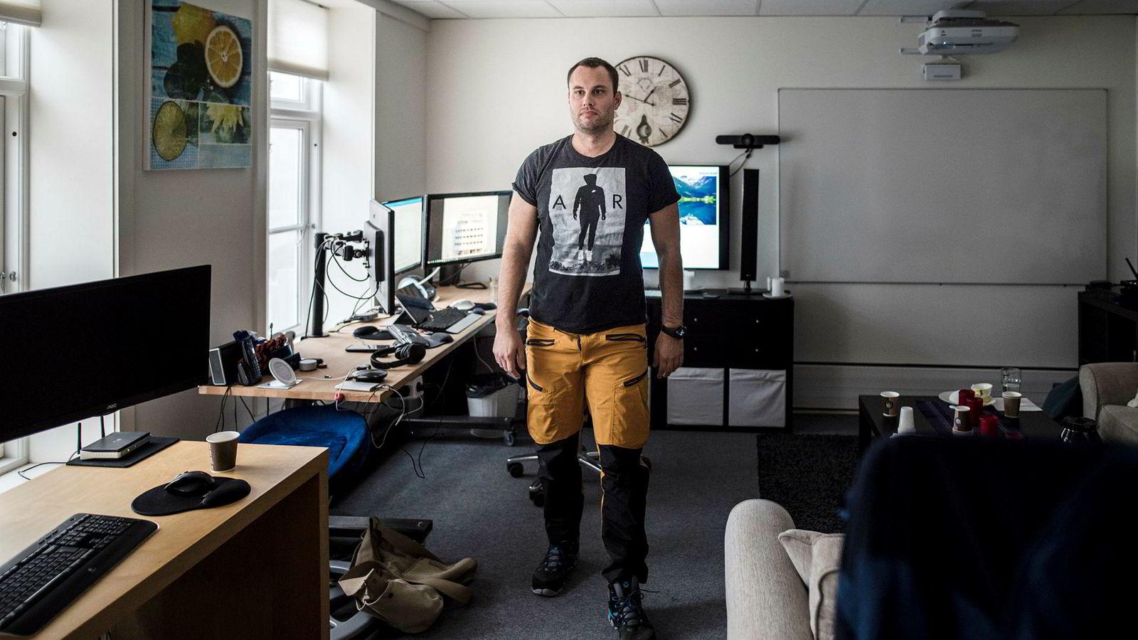 Ole-Andre Torjussen er eier av Bitcoins Norge as. Her er han fotografert på kontoret i Stavanger sentrum.