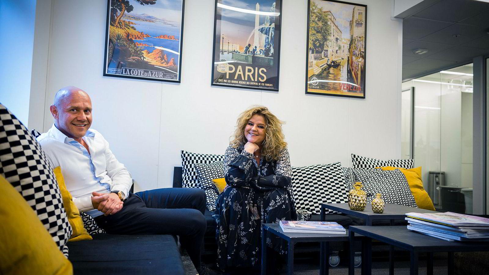 Her medeier i United Influencers, Kjetil Tveter og Signy Fardal, som nå slutter i Elle.
