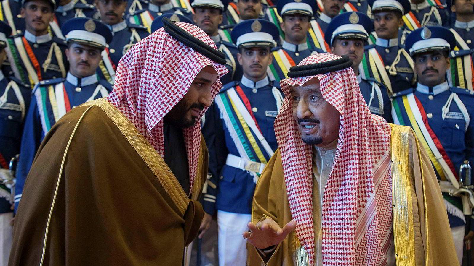 Saudi-Arabias konge Salman bin Abdulaziz (til høyre) og kronprins Mohammed bin Salman (til venstre) har kondolert dødsfallet til Jamal Khashoggi overfor Khashoggia familie.
