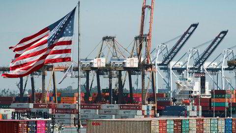 Verdens handelsorganisasjon (WTO) har mer enn halvert veksten i verdenshandelen for 2019. Handelskrigen mellom USA og Kina får mye av skylden.