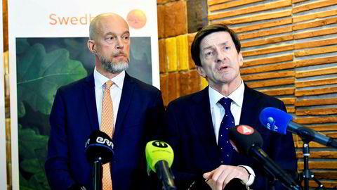 Swedbanks styreleder Lars Idermark (til høyre) er i hardt vær på grunn av bankens aktiviteter i Baltikum.