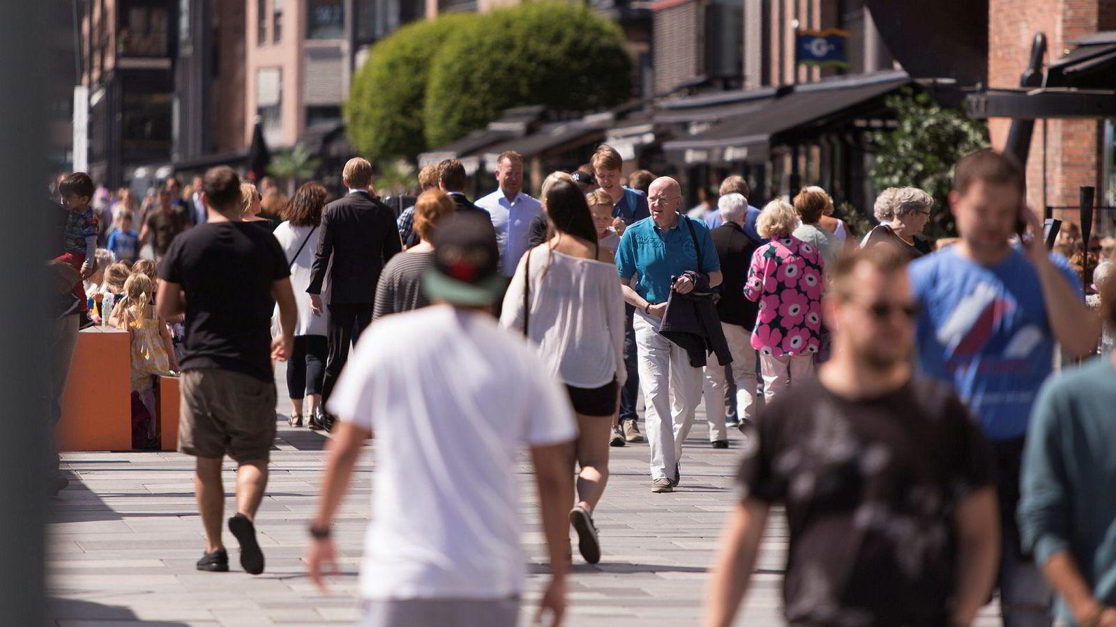 Det er foreløpig vanskelig å finne noen negative konsekvenser av handelskrigen i Norge, ifølge innleggsforfatteren.
