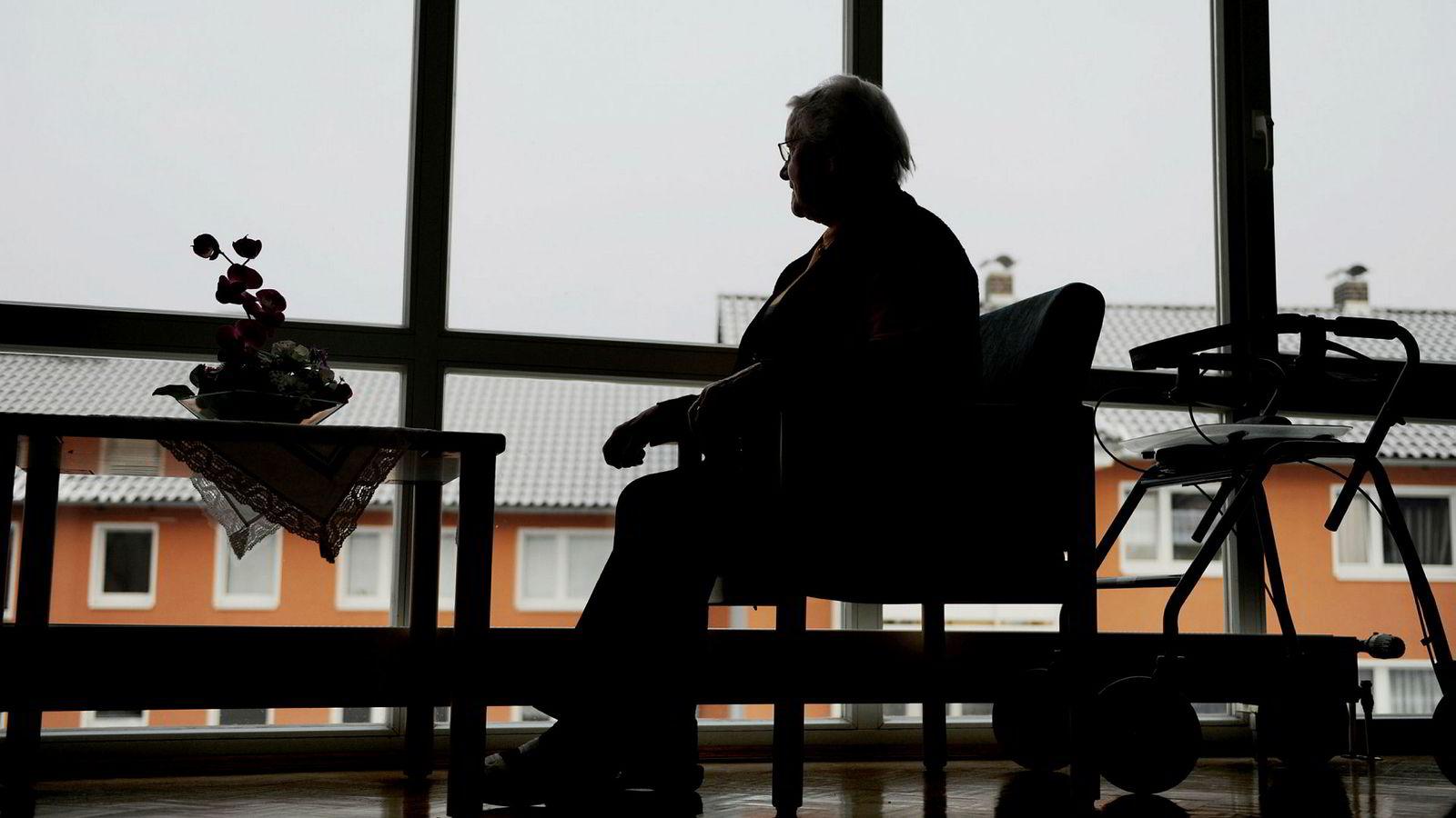 Det gir nok ikke høye odds å tippe at «Hvem skal drive eldreomsorg og barnehager» blir et av de heteste temaene i lokalvalgkampen i år i følge artikkelforfatteren.