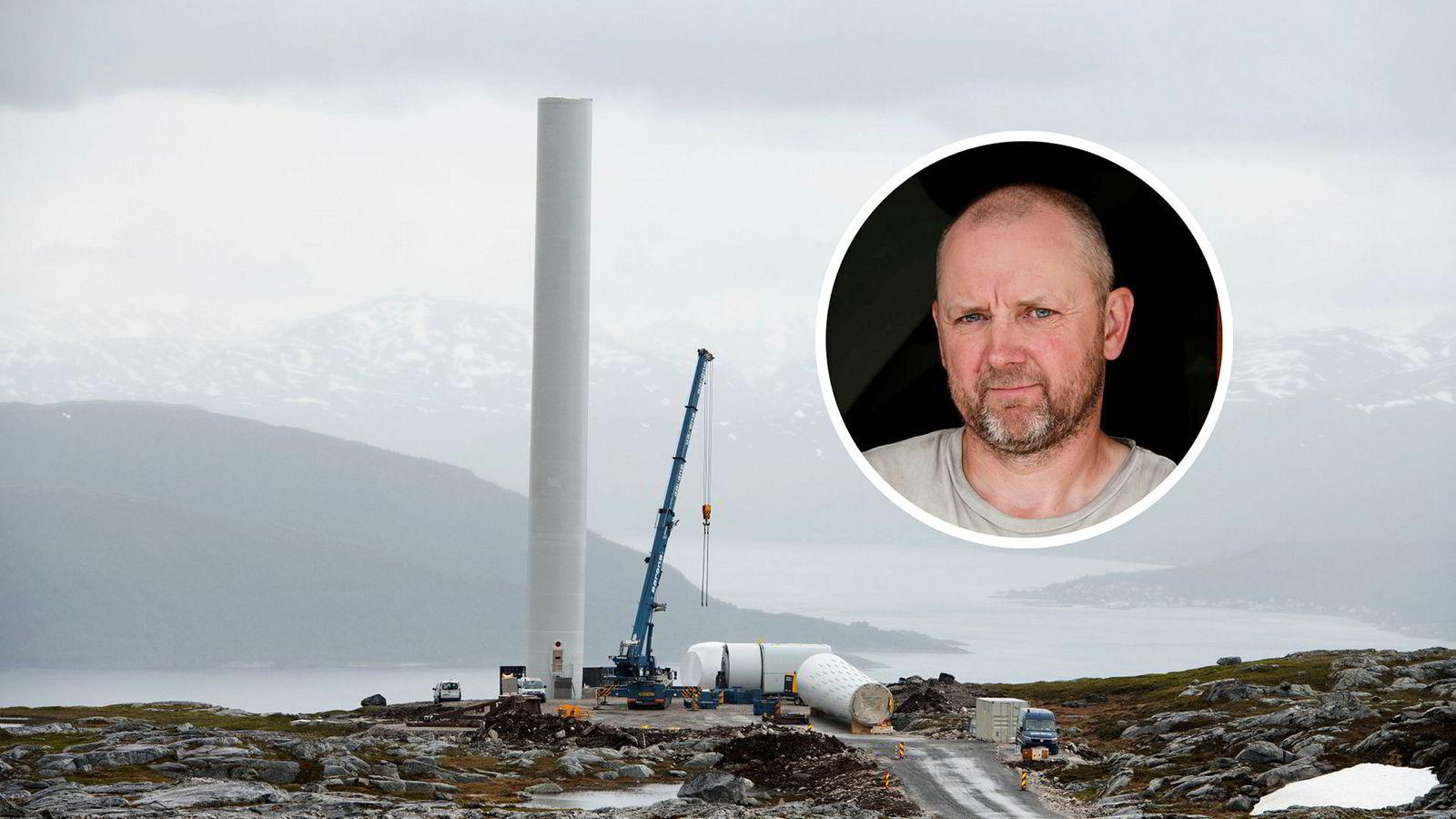 Utbygging av Nordlys Vindpark på Kvaløya i Tromsø kommune rett ved ferieparadiset Sommarøy. Den første turbinen reises. Hans-Harald Fallet Habberstad er en av grunneierne som har trukket seg fra avtalen med utbyggeren.