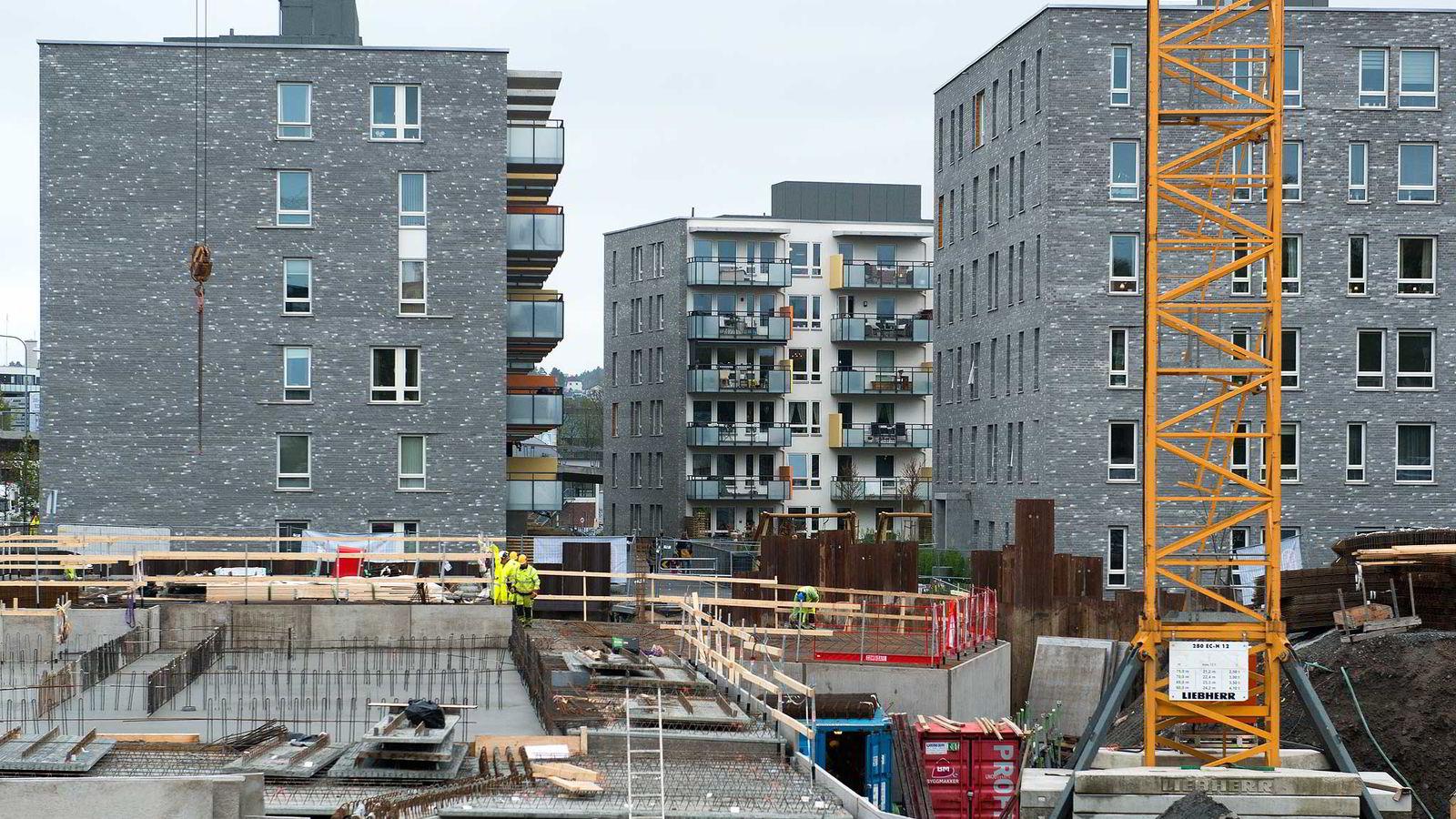 - Vanlige folk med vanlige jobber har snart ikke råd til boliger i pressområdene, sier Per Jæger i Boligprodusentene. Illustrasjonsfotoavboligbygging på Hasle i Oslo.