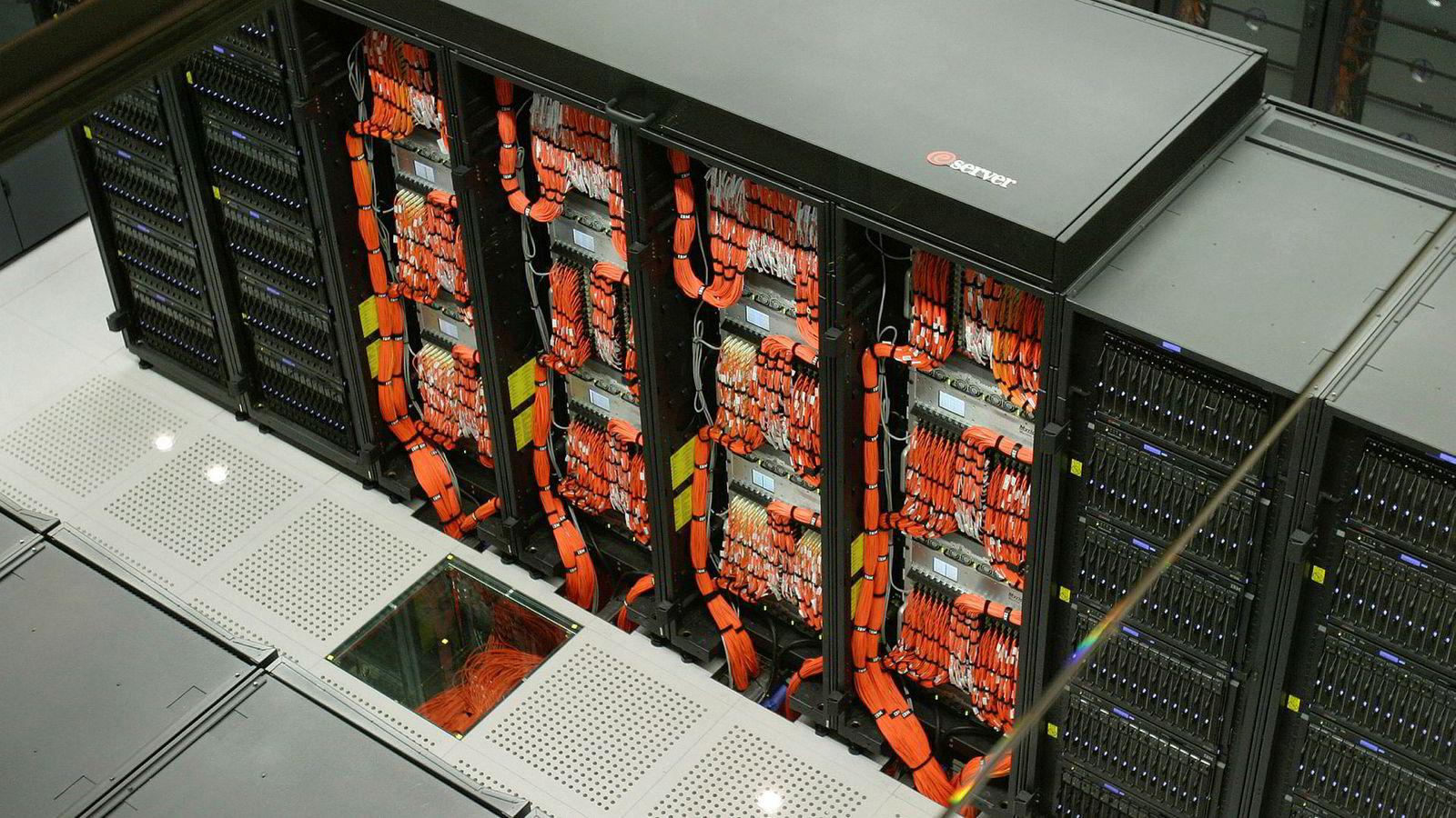 USA skal bygge en ny superdatamaskin som overgår alt verden har sett så langt. Bildet viser det som en gang var en superdatamaskin, nemlig Eurpoas raskeste maskin i 2005 med en kapasitet på 0,04 petaflops.