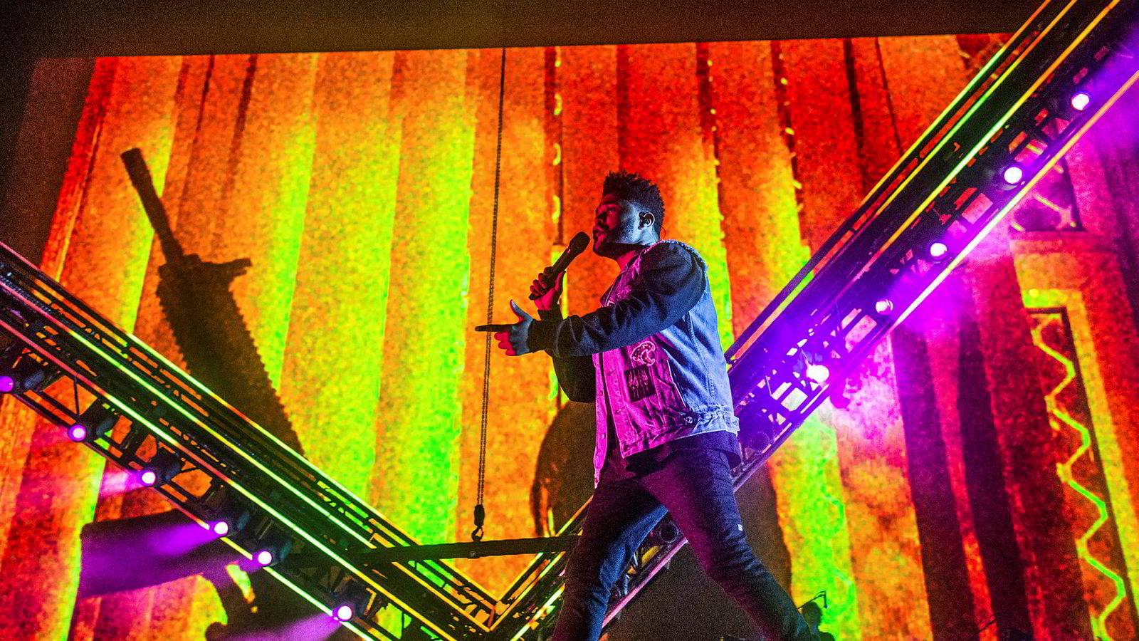 Artisten The Weeknd reagerte sterkt på et bilde H&M brukte i sin markedsføring.