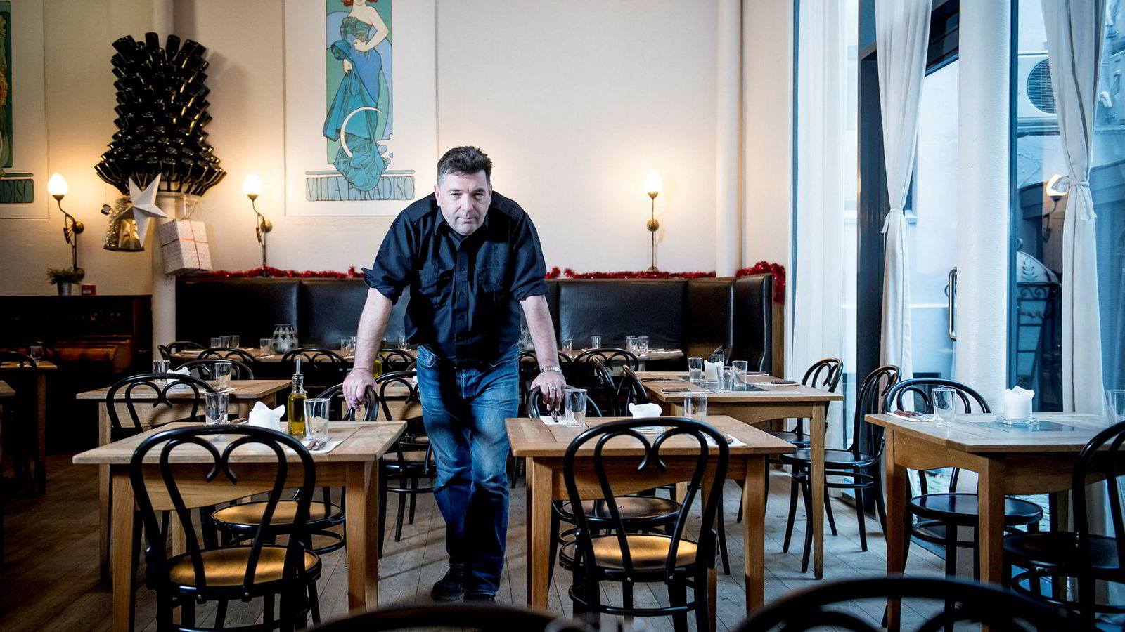Jan Vardøen er grunnleggeren av en rekke restauranter og barer i Oslo. Nå er hans restaurant The Nighthawk Diner i Bygdøy allé konkurs. Her er han i lokalene til restauranten Villa Paradiso på Frogner.