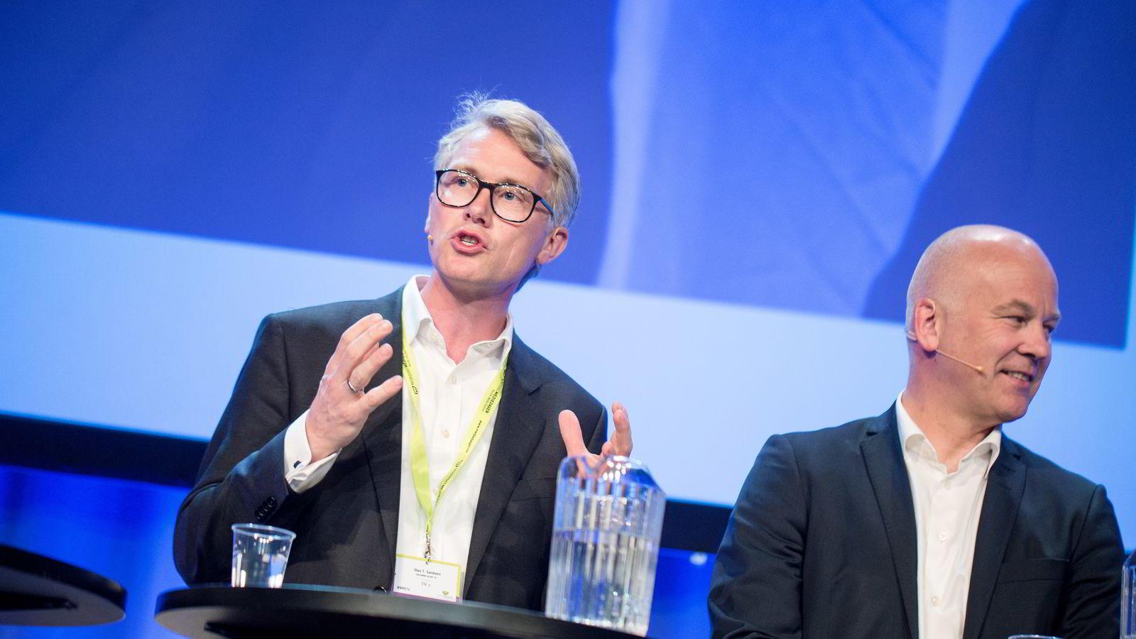 TV 2-sjef Olav T. Sandnes sammen med NRKs kringkastingssjef Thor Gjermund Eriksen i Mediedagene i Bergen