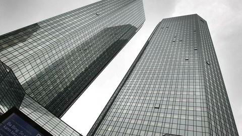 Deutsche Bank går på milliardtap i andre kvartal.