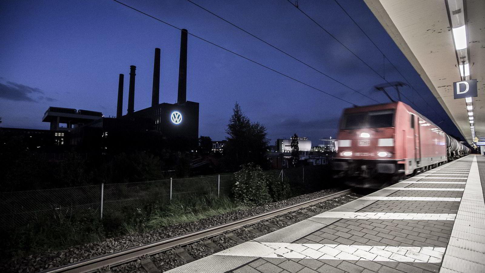 Wolfsburg ligger cirka 20 mil vest for Berlin og har drøyt 120.000 innbyggere. Halvparten av byens arbeidstakere jobber for Volkswagen. Foto: