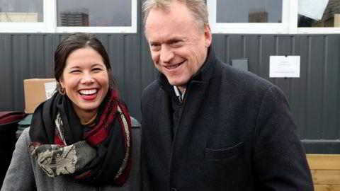 Miljøbyråd Lan Marie Berg (MDG) og byrådsleder Raymond Johansen (Ap) sier Oslo skal bli første by i verden til å forby unødvendig engangsplast. Men i Høyre lurer man på hva som konkret menes med løftet. Foto: Vidar Ruud / NTB scanpix