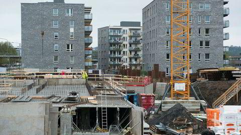 Det er solgt 34 851 boliger de siste 12 månedene. Bygging av nye leiligheter på Hasle. Foto: Per Ståle Bugjerde