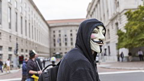 ANONYME: Guy Fawkes-masken har blitt et symbol som assosieres med Hacktivist-gruppen Anonymous. En gruppe som sier de er en del av bevegelsen hevder at de stod bak angrepene mot norske selskaper på tirsdag. Foto: Johannes Worsøe Berg
