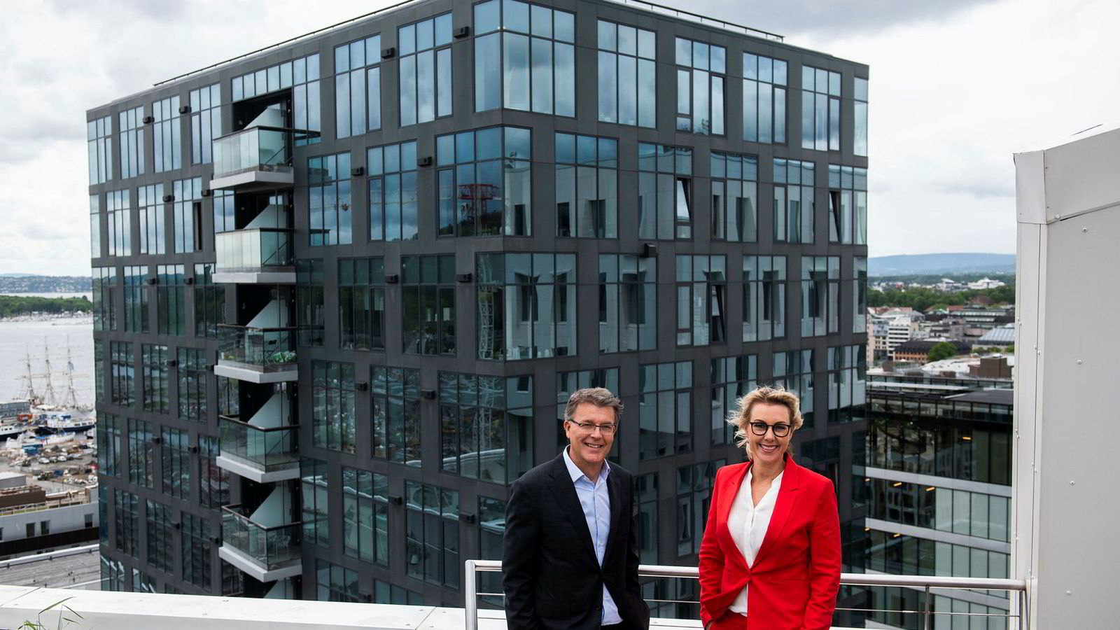 Sjur Gaaseide er ny toppsjef i Deloitte. Her er han sammen med Cecilia Flatum, som overtar hans tidligere jobb som leder av konsulentvirksomheten og også leder Women@Deloitte.