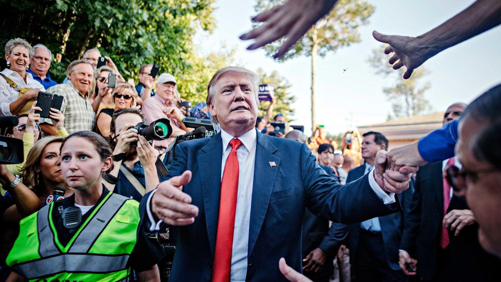 Donald Trump tar ingenting for å stemple meningsmotstandere som løgnere, menstruelle, stygge, dumme og inkompetente.