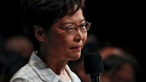 Etter hardt press trakk Hongkongs leder Carrie Lam formelt det utskjelte lovforslaget om utlevering til Kina 4. september. Foto: Kin Cheung / AP / NTB scanpix