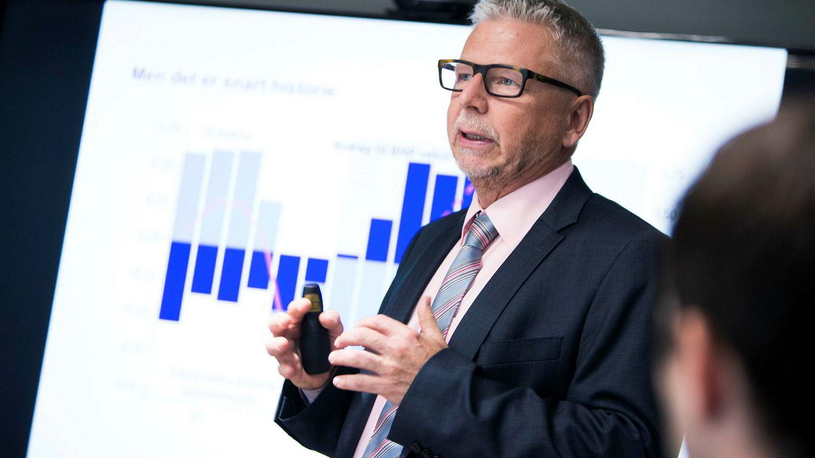 Erik Bruce, sjefanalytiker i Nordea Markets, mener økt privat forbruk og oljeinvesteringer vil holde den økonomiske veksten oppe.