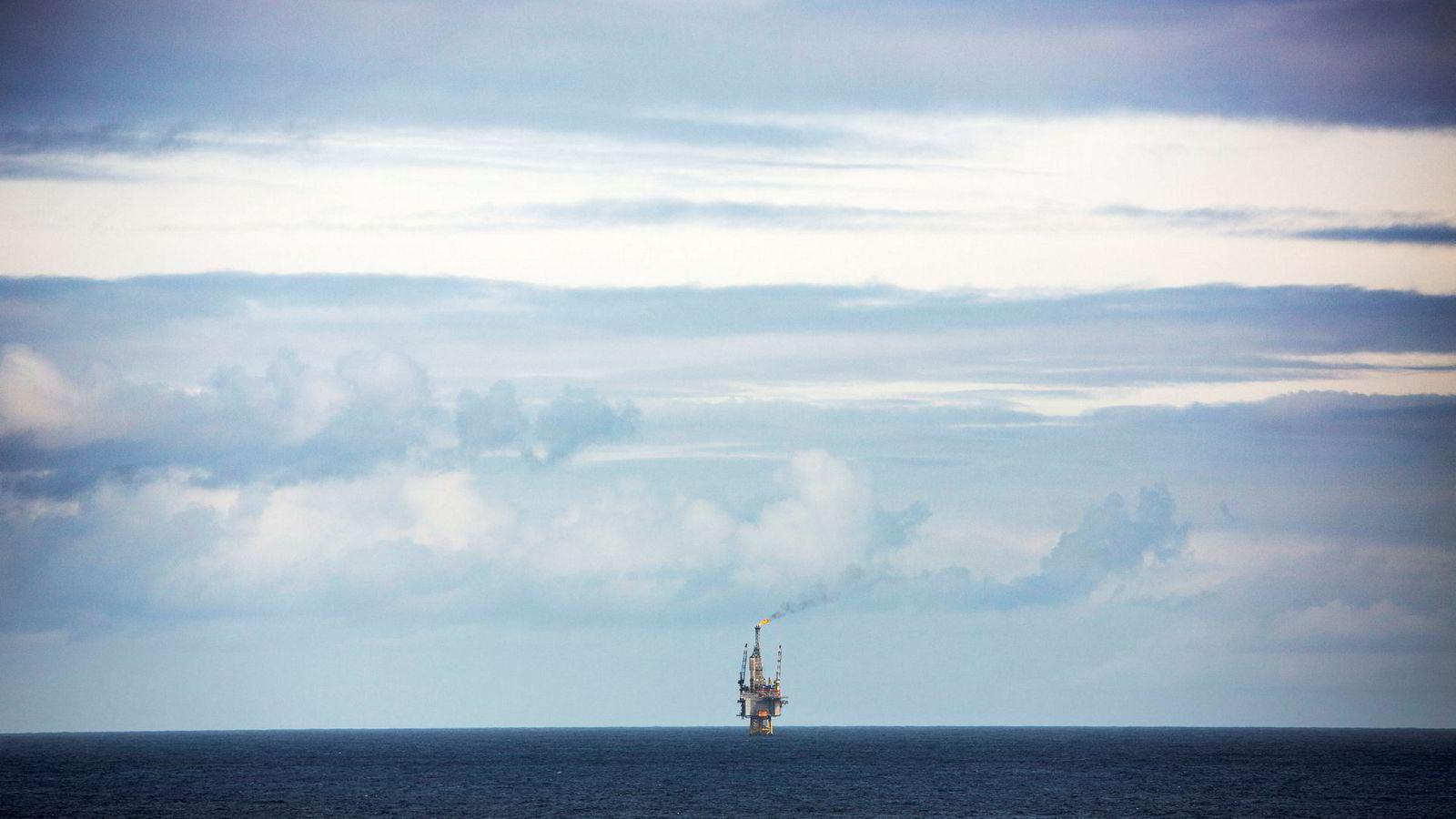 Regimet for oljeskatt har i stor grad vært svært vellykket for Norge. Tall i statsbudsjettet gir likevel grunn til å skru litt på det.