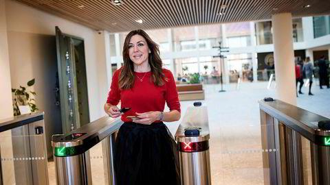 Oljeanalytiker i Nordea Thina Saltvedt har ikke gjort seg dårlige erfaringer selv om hun jobber i en mannsdominert bransje. Hun ønsker seg likevel flere kvinner inn i finansbransjen.