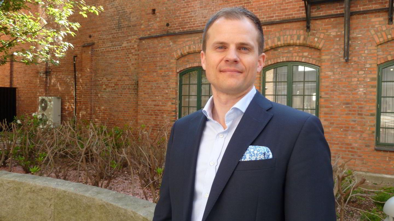 Joakim Anker-Sletholt (36) er en av mange unge norske ledere som tror lederrollen vil endre seg fremover.