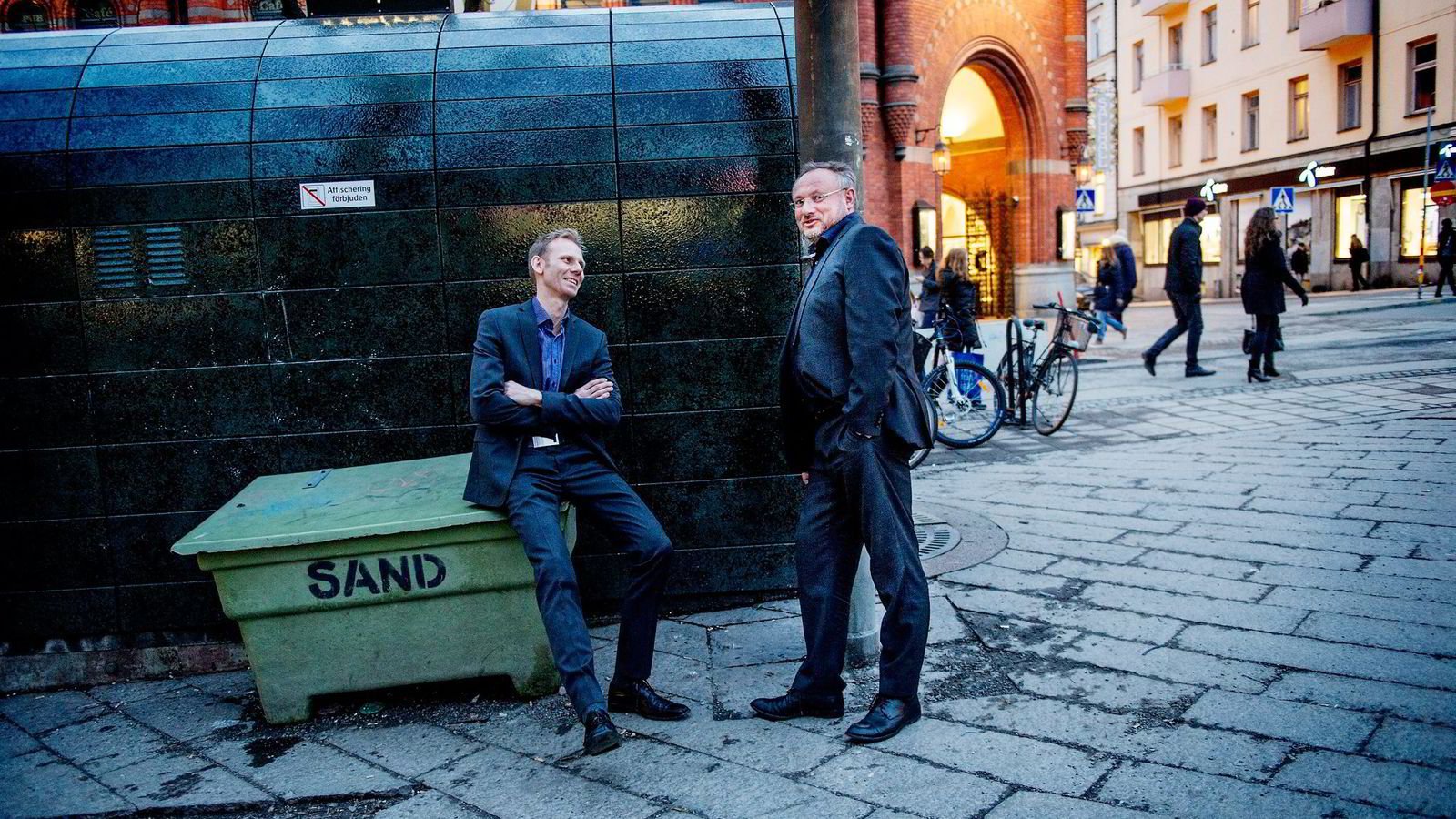 Eier og kokk Bent Stiansen (til høyre) i Statholdergaarden fikk beholde sin stjerne i årets Michelin-guide – selv med normale arbeidsdager. Her med kjøkkensjef Torbjørn Forster.