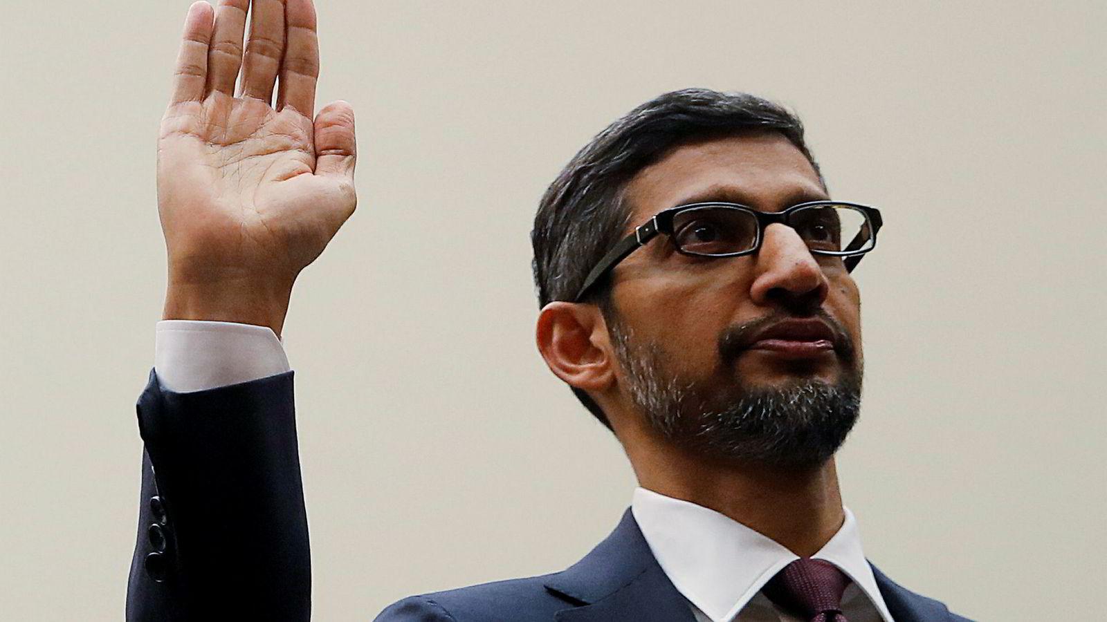 Google-sjef Sundar Pichai fikk kjørt seg da han vitnet for en komité i Representantenes hus tirsdag kveld.
