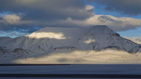 Hjortfjellet like ved Longyearbyen og Adventfjorden på Spitsbergen, Svalbard. Foto: Berit Roald / Scanpix