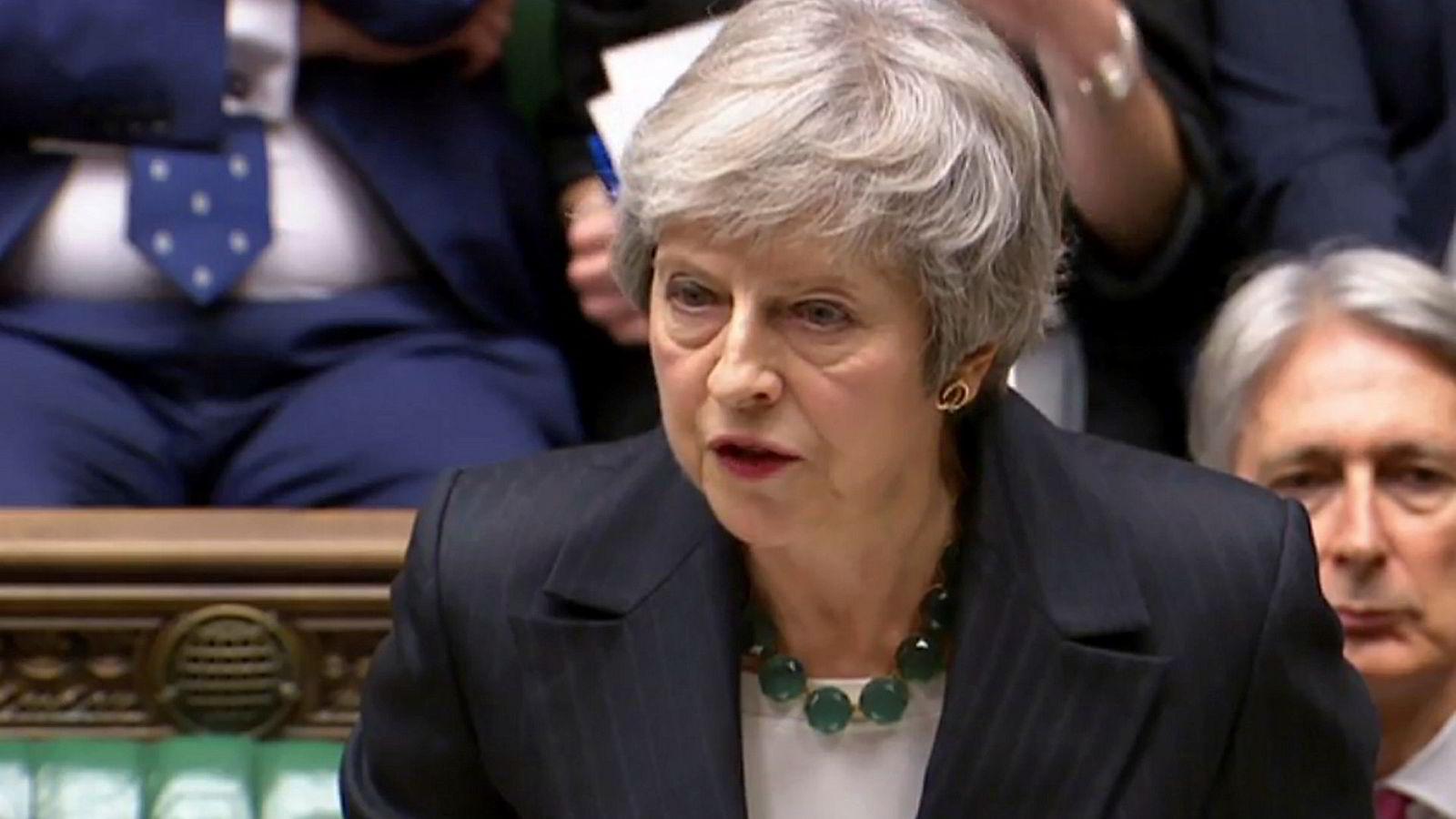 Theresa Mays regjering godtok et utkast til brexit-avtale onsdag. Siden har flere statsråder sagt opp sine jobber.