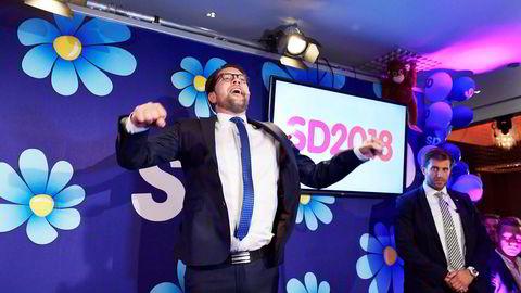 Sverigedemokraternas partileder Jimmie Åkesson (SD) fikk en tøff start forrige gang han var på Skavlan. Nå er han tilbake.