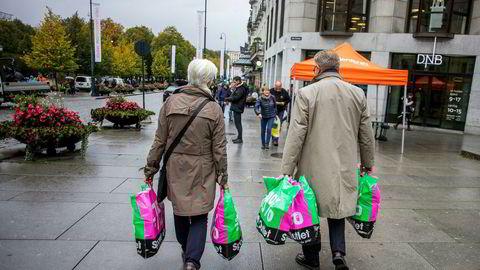Detaljhandelen utenom dagligvare går mot nullvekst i årets julehandel, ifølge Virke.