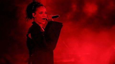 Godt og blandet. Rihanna åpner en forundringseske som rommer soul, psykedelia, r&b, country, electronika og pianopop, på et album som likevel føles koherent og relevant. Foto: Christopher Polk / Getty Images