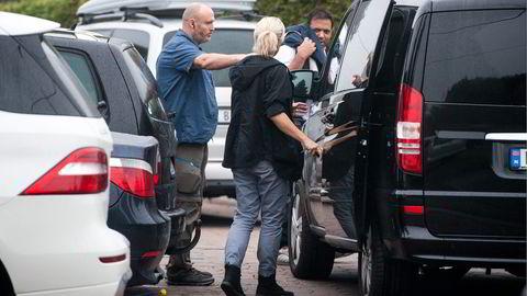 Her blir Ali Asghar pågrepet ved sin bolig under storaksjonen mot Lime i september 2014. Foto: Skjalg Bøhmer Vold