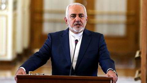 Irans utenriksminister Mohammad Javad Zarif retter kraftig skyts mot USA og landets allierte i Midtøsten.