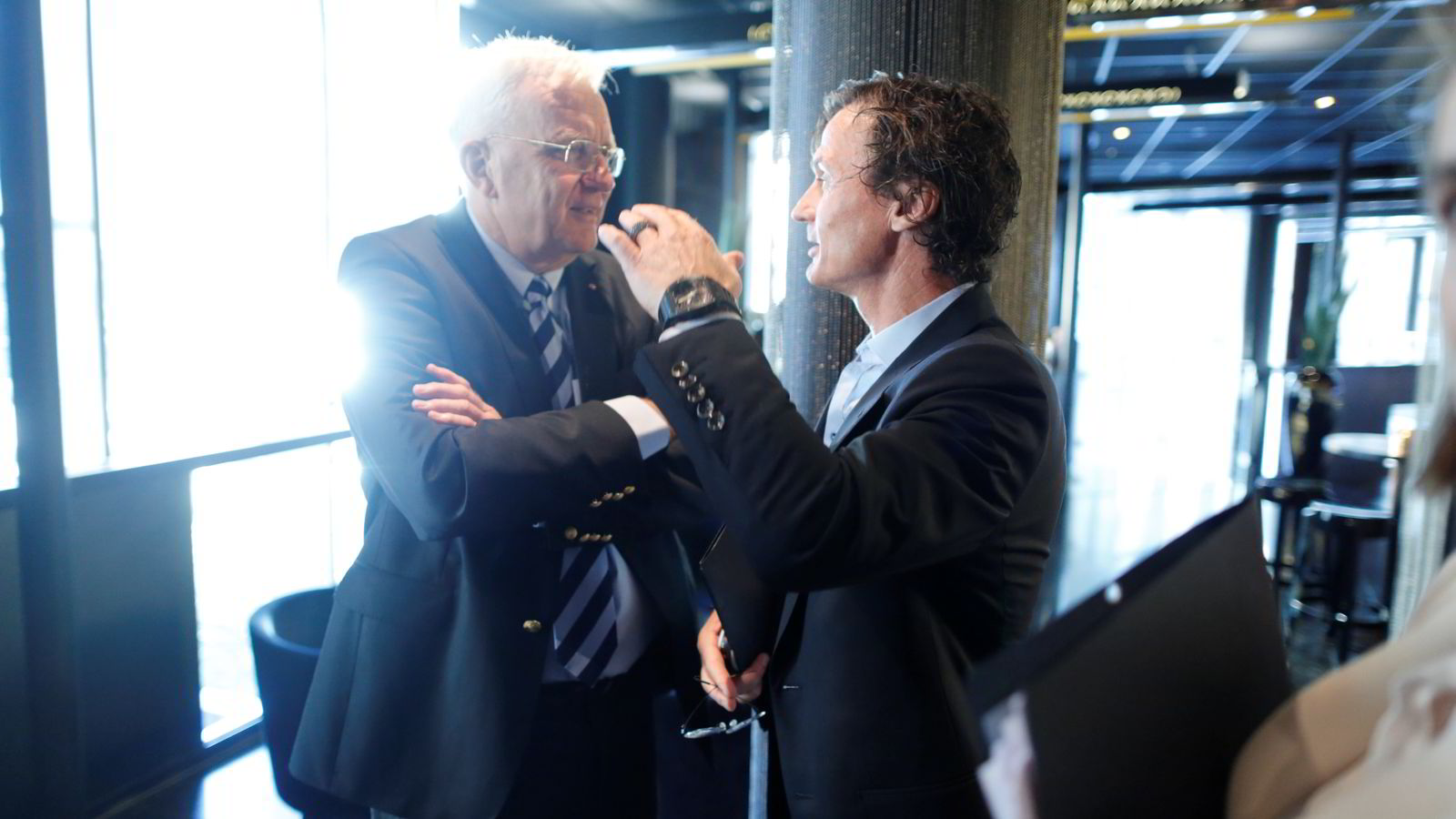 Trygve Hegnar og Petter Stordalen før torsdagens pressekonferanse. Foto: