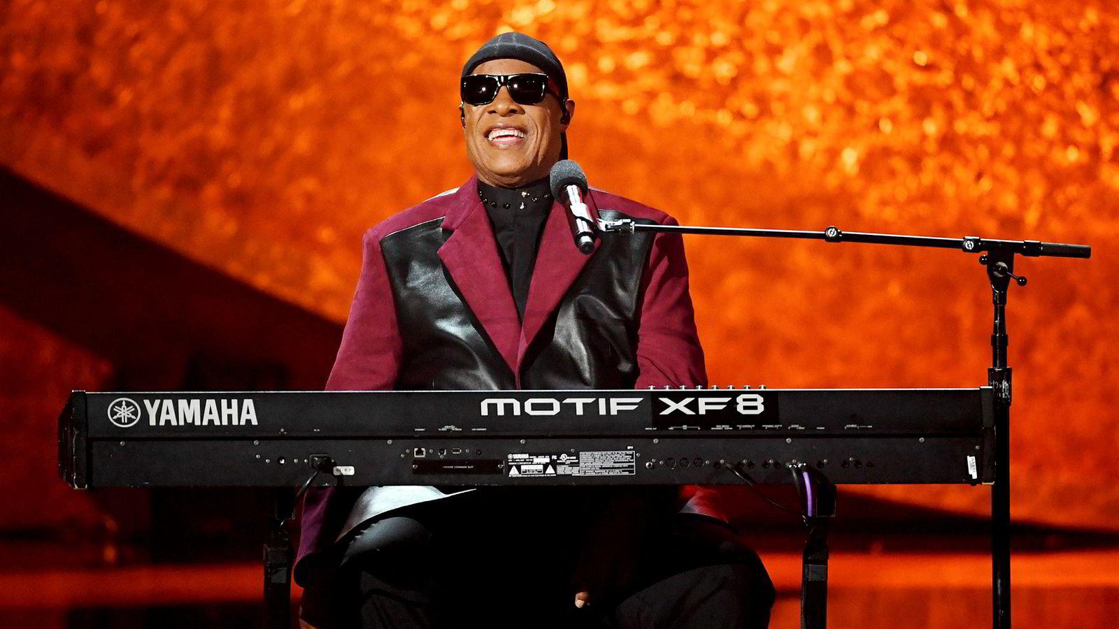 På slutten av 70-tallet og i begynnelsen av 80-tallet jobbet Keith Harris som manager for Stevie Wonder og var driftsleder i hans selskaper.