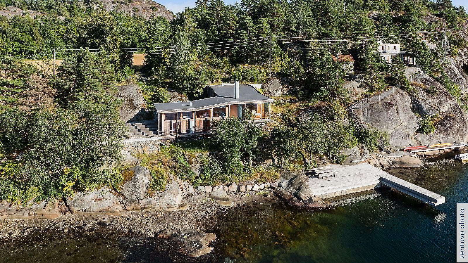 Hytta i Øyaveien i Sandefjord hadde en prisantydning på 20 millioner kroner, men ble nylig solgt 16,5 millioner.