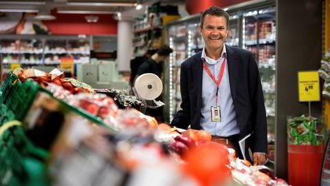 Extra-sjef Christian Hoel utfordrer de to store lavpriskjedene Rema og Kiwi. I fjor ble han vekstvinner i det norske dagligvaremarkedet.