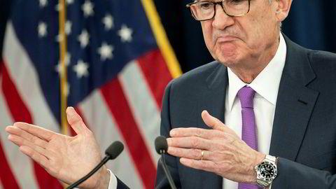 Hvor langt unna er normalrenten? Så langt? Før børsfallet begynte i oktober i fjor sa den amerikanske sentralbanken Jerome Powell at det enda var langt opp til et normalt rentenivå. Nå har han ingen hast med å sette opp renten lenger.