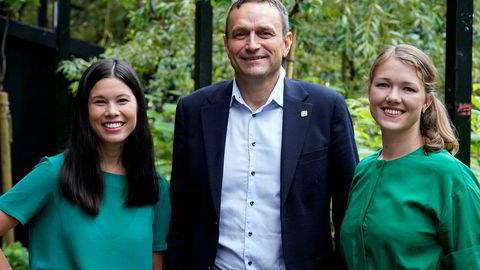 – Dette er helt fantastisk, sier MDGs Une Aina Bastholm (til høyre), her sammen med partifellene Arild Hermstad og Lan Marie Berg.