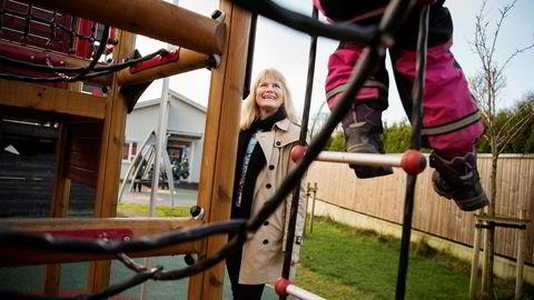 Eli Sævareid (60) har vært med på å bygge 456 barnehager i Norge. Nå vil hun inn i eldreomsorg. Her er hun på FUS Haugesund International Preschool.