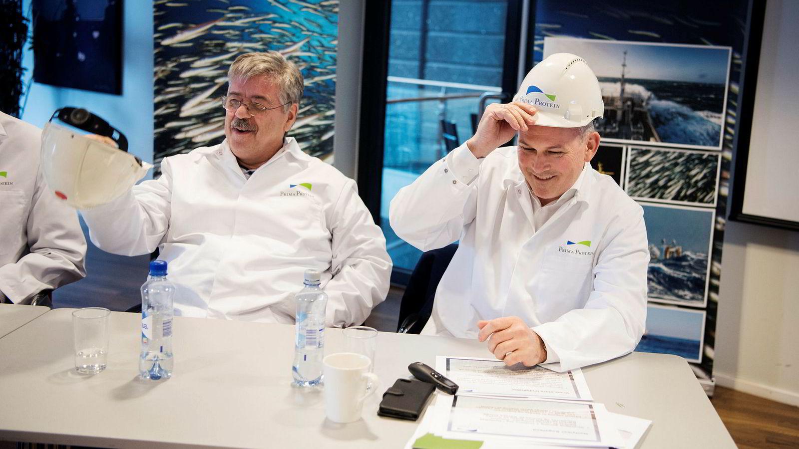 Jakob Hatteland (til venstre) går nå inn i oljebransjen. Her er han sammen med Anbjørn Øglend som han har gått sammen med i fiskeribransjen.