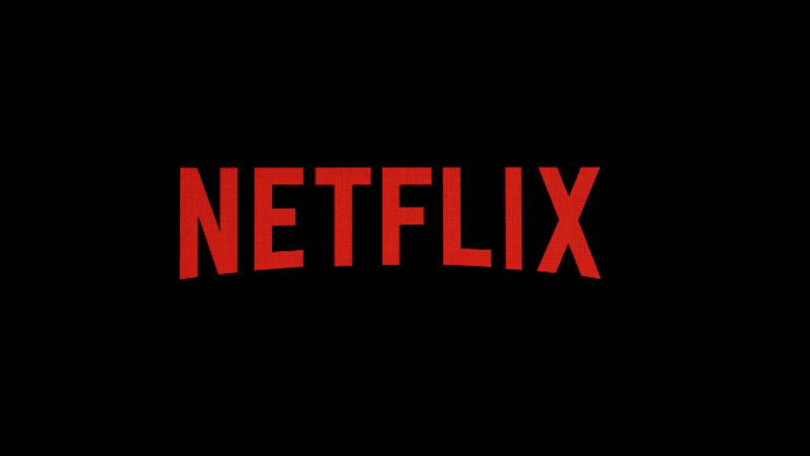 Strømmegiganten Netflix har fjernet saudiaraberes tilgang til en episode av en satirisk programserie etter at myndigheten i landet klaget.