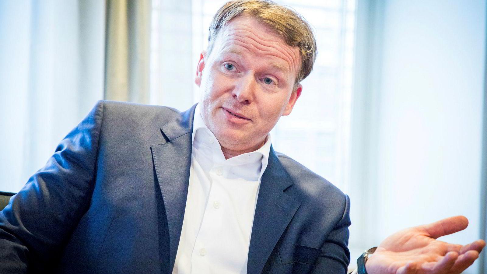 Analysesjef Lars-Daniel Westby i Sparebank 1 Markets tror Norwegian klarer å overholde lånevilkårene når året går mot slutten.