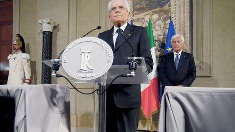 Italias president Sergio Mattarella har de siste dagene forsøkt å forhandle frem en ny regjering sammen med Femstjernersbevegelsen og Det demokratiske partiet (PD).
