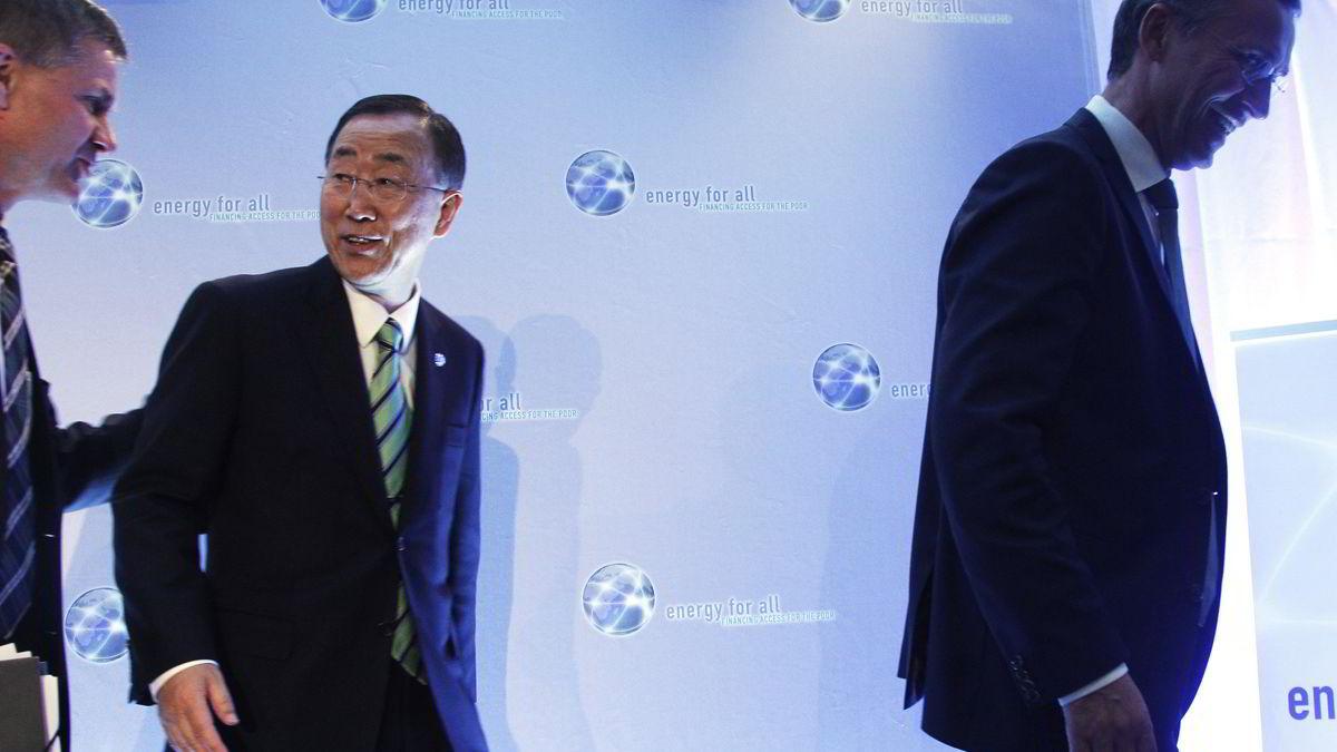 FNs generalsekretær Ban Ki-moon har satt et mål om dobling av fornybarandelen i verden frem til 2030. Igår var han med da statsminister Jens Stoltenberg (til høyre) og miljø- og utviklingsminister Erik Solheim lanserte det nye norske initiativet «Energi+» om å gi fattige tilgang på strøm.