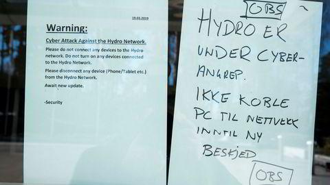 Norsk Hydro varslet 19. mars alle sine ansatte om ikke å slå på PC-en sin siden selskapet var rammet av et dataangrep. Arkivfoto: Terje Pedersen / NTB scanpix